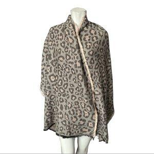 Stella & Dot Grey/Pink Leopard Print Blanket Scarf